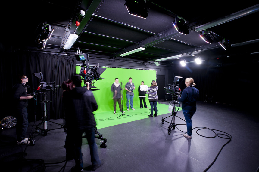 Guildford College – Learning Hub & TV Studio